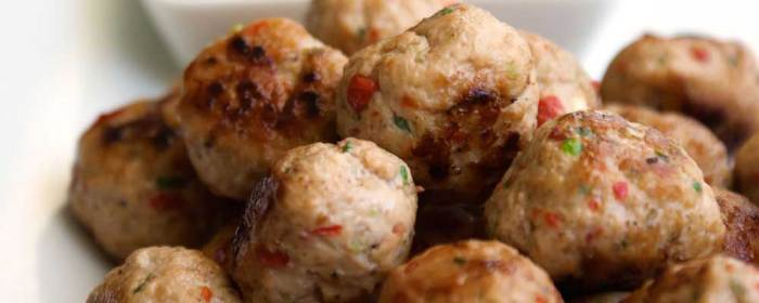 Thai Spiced Mini Chicken Meatballs (paleo and gluten free)