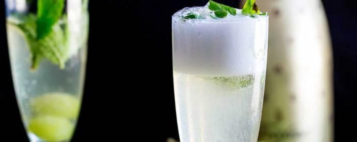 Schrödinger's Fizz – A Champagne Cocktail