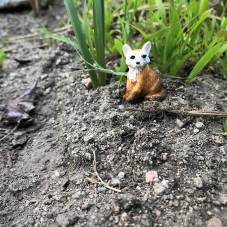Seated Fairy Garden Fox by Sprouted Dreams (7)