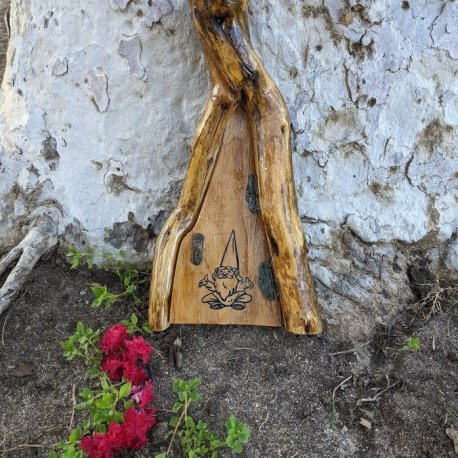 Peaceful Gnome Door11