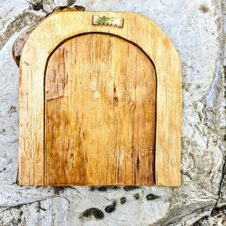 Twisted Tree Door back