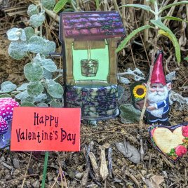 Gnome Garden Set for Valentine's Day
