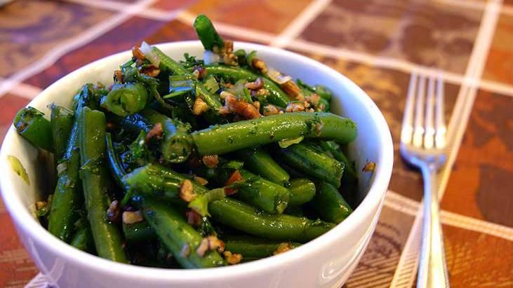 Green Bean Salad with Pecans