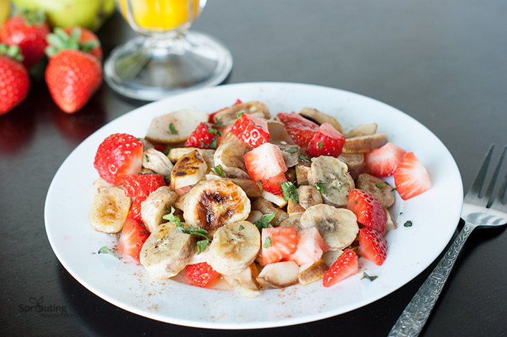 Grilled Banana and Pear Breakfast Salad