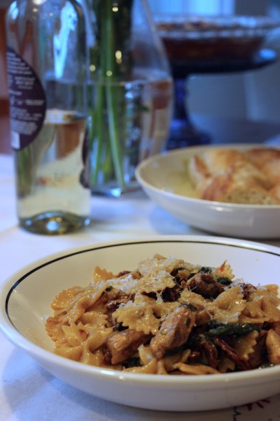Farfalle with Chicken, Spinach, and Sun-dried Tomatoes