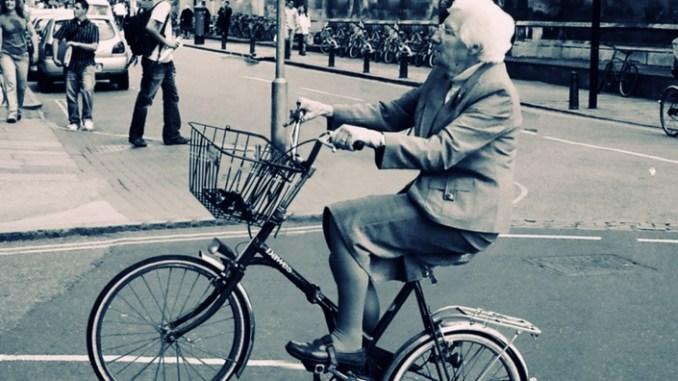 Oudje fietsen