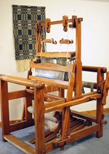 Four-shaft counterbalance loom built by Ed Davis.