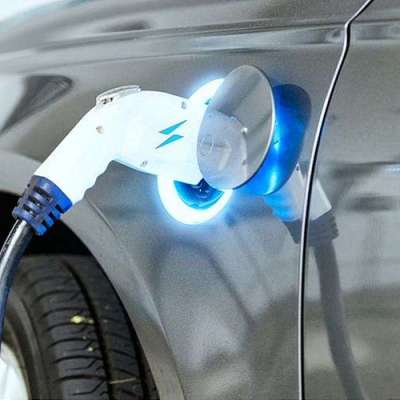 Inexpensive battery charges rapidly for electric vehicles