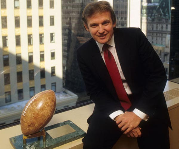 https://i2.wp.com/www.spxdaily.com/images-hg/trump-young-man-football-hg.jpg