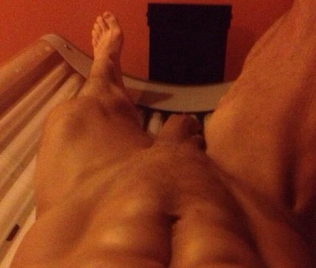 New Hot Pics From Naked Guys On The Tanning Bed Spycamfromguys Hidden Cams Spying On Men