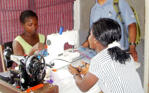 Accra-CAS-seamstress