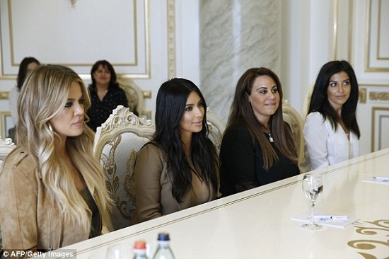 kim-kardashian-khloe-armenia-prime-minister