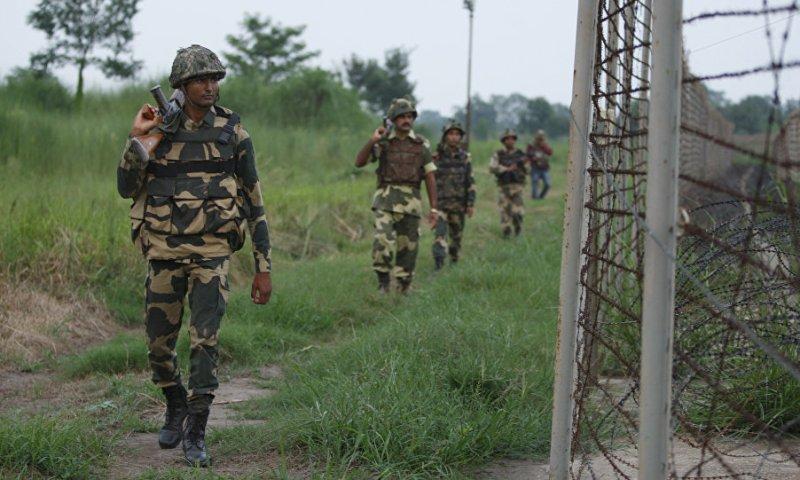 Breaking! Heavy Gunfire Rock Indian Army Camp In Jammu Kashmir!