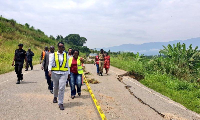 UNRA Boss Kagina Visits Cracked Fort-Portal-Bundibugyo Rd