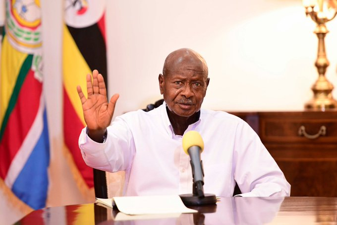 """Stop Distributing Your Nonsense GMOs Aiming To Perish Our Nutritious Foods""-Museveni Warns NAADS Officers"