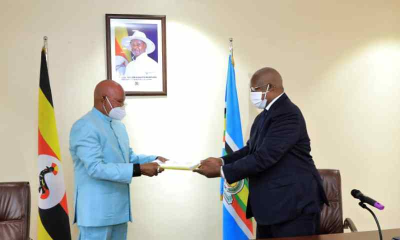 Pictorial: Sam Kutesa Officially Hands Over Office To Newly-Sworn In Minister Of Foreign Affairs Jeje Odongo