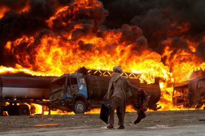 13 Burnt To Ashes, Several Others Injured While Stealing Fuel After Truck Explosion