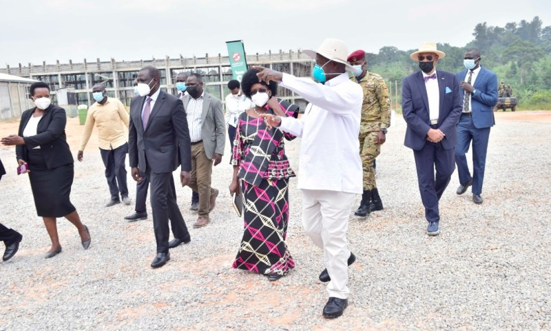 You're Not President Of Kenya Yet, Seat Down! DP William Ruto Blocked From Flying To Uganda To Hold Secret Meeting With Museveni , Spends Five Hours At Airport Crying Like P1 Baby!