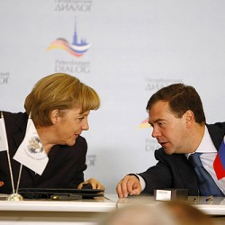 dmitry_medvedev_with_angela_merkel-1