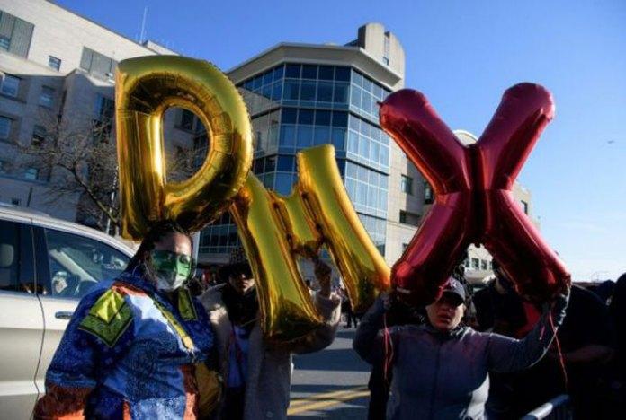 PHOTOS: Family, Fans Hold Vigil for Hospitalized Rapper, DMX