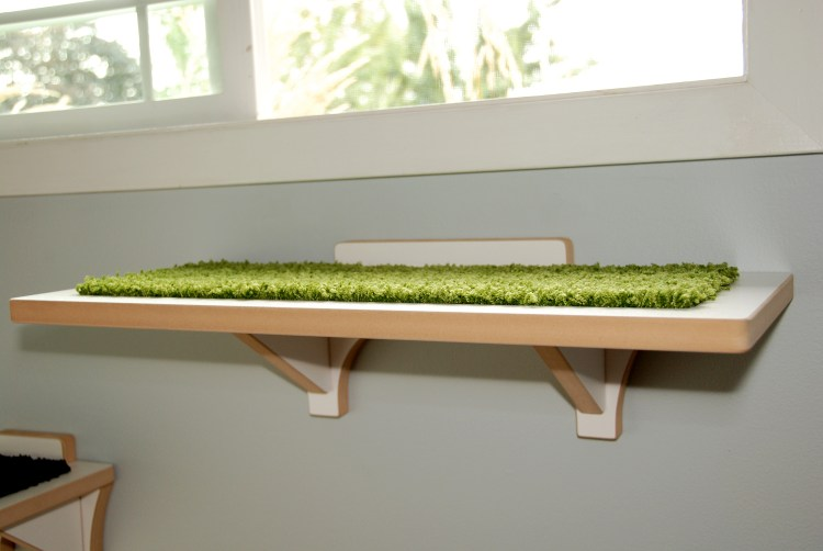 MODERN white WALL MOUNTED CAT PERCH with green mat