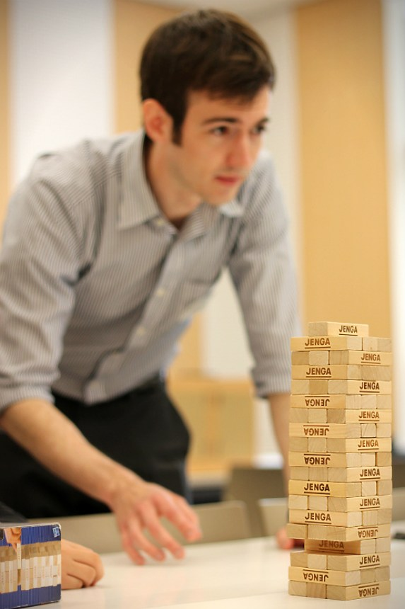 Matt teaching students how to play IPA (発音記号) JENGA at our first Game Day.