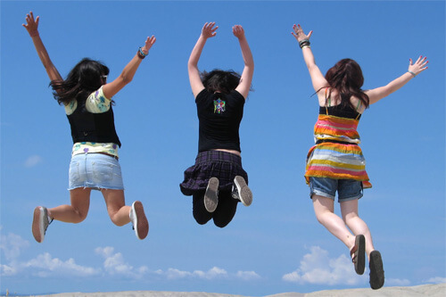 Mislite da su prijatelji sretniji i uspješniji od vas? Znanost dokazala da je vjerojatno tako
