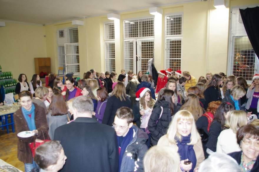 Posjetite Humanitarni božićni sajam u organizaciji učenika V. gimnazije i pomozite oboljelom Davidu