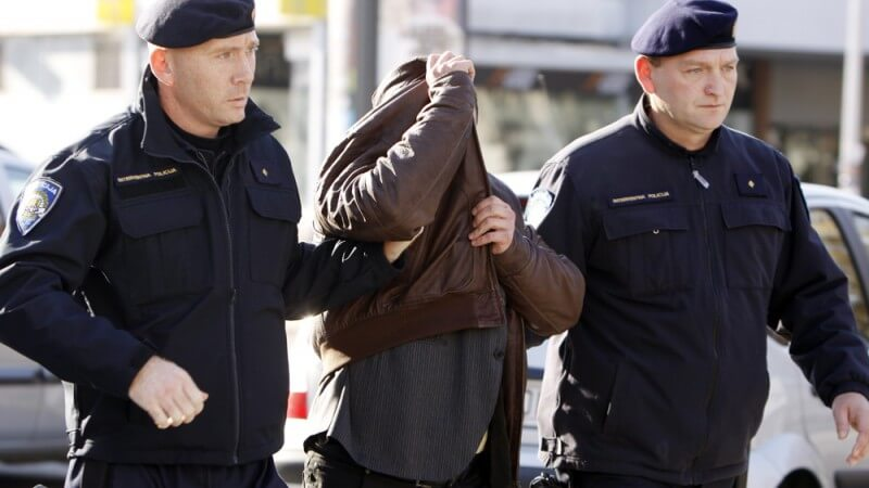 U Koprivnici otac davao 13-godišnjem sinu razne droge