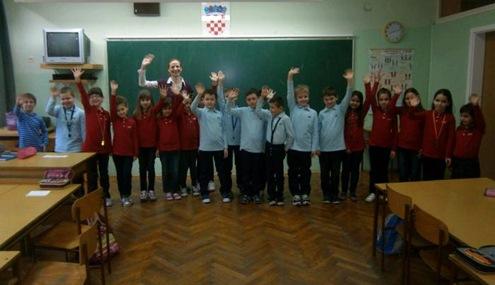 Svi su jednaki: U školi u Osijeku uvedene uniforme za učenike