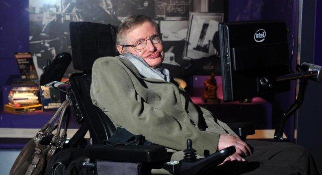 Stephen Hawking upozorio: Moramo pobjeći sa Zemlje!