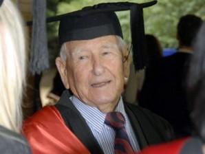 Australac u 97. godini postao najstariji diplomac na svijetu!