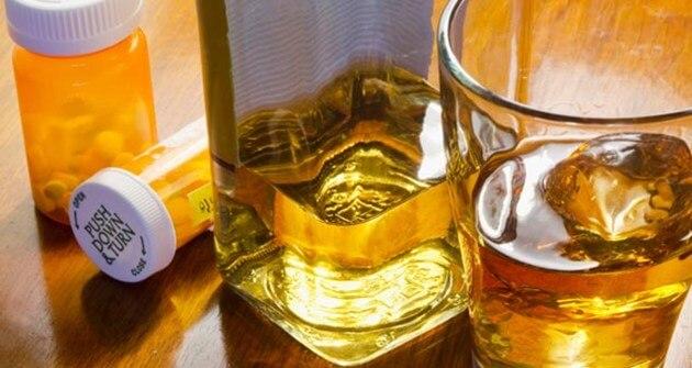 Miješanje alkohola s lijekovima može biti opasno, pa i fatalno