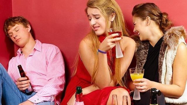 Maloljetnice u Hrvatskoj sve češće piju alkohol, a konzumacija teških droga je u padu
