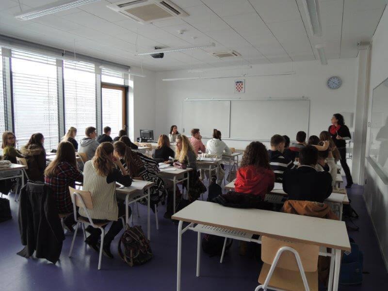 U školama više od sedam tisuća darovite djece, a Hrvatska bez stipendija za 'male genijalce'