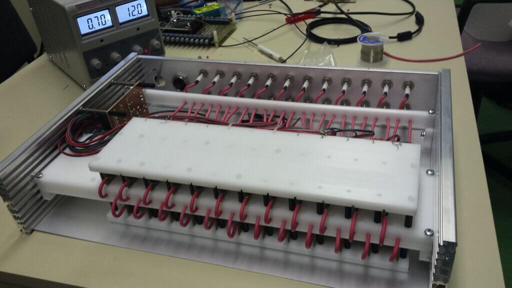 Znanstvenici PMF-a i FER-a izradili pikoampermetar, uređaj koji je naručio CERN