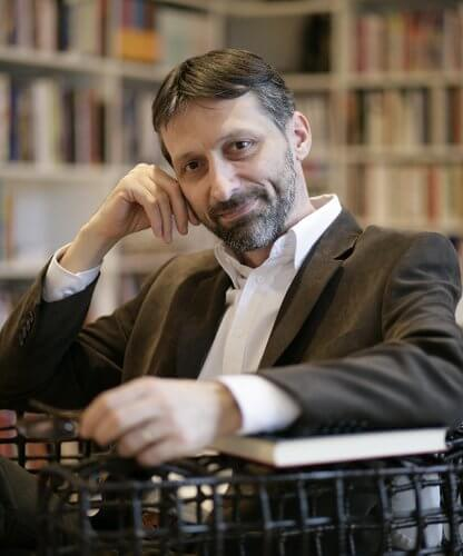 [ŠKOLSKA LEKTIRA] Miro Gavran predlaže koje knjige treba izbaciti, a koje uvrstiti u popis