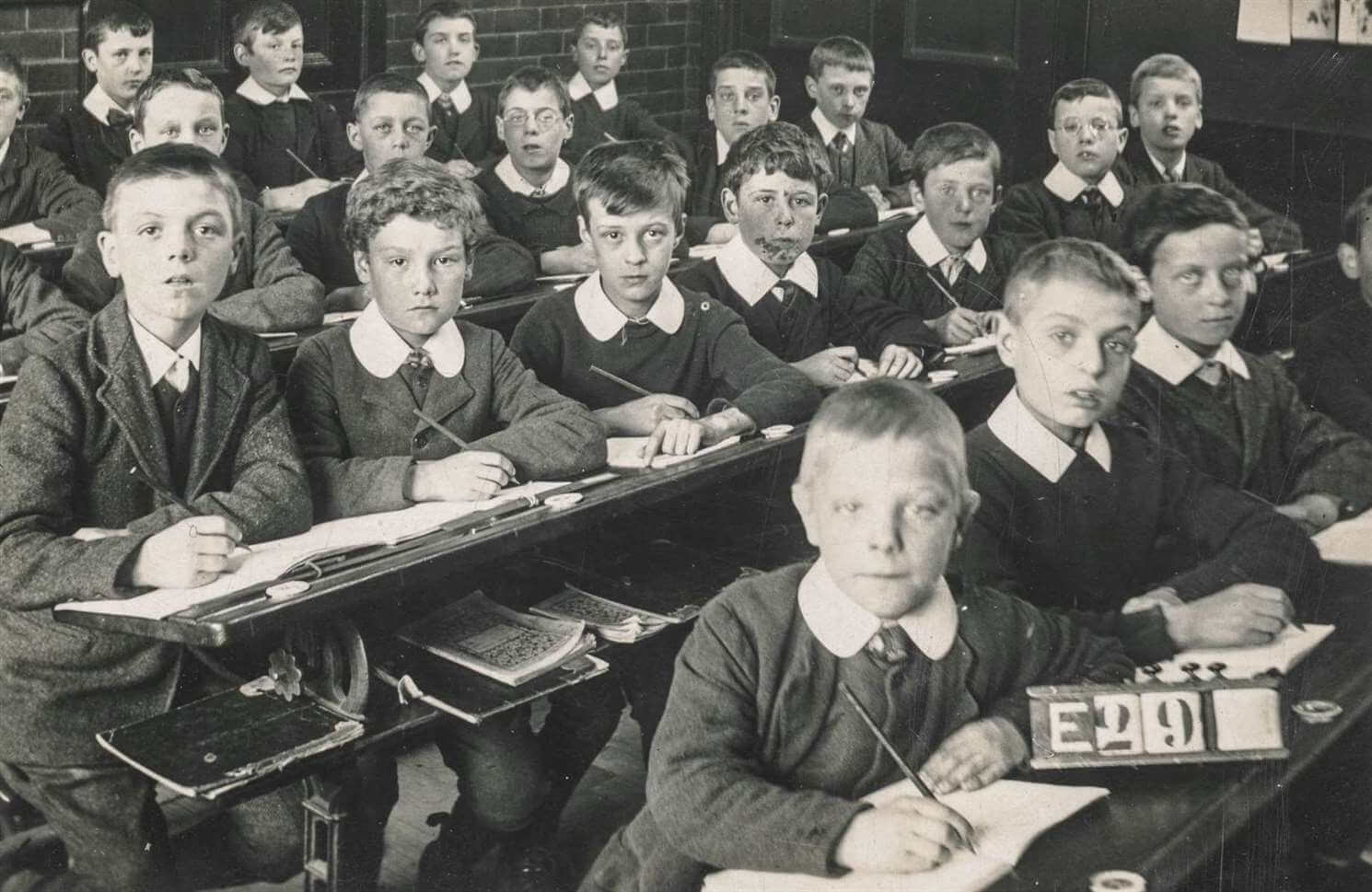 Kako nas škole uče da lažemo da smo ekstroverti