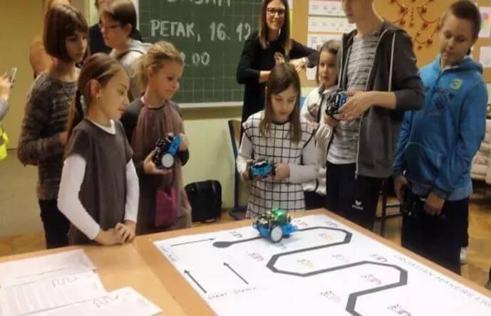 STEM revolucija: Dok politika mudruje građani prikupili novac za modernizaciju školstva