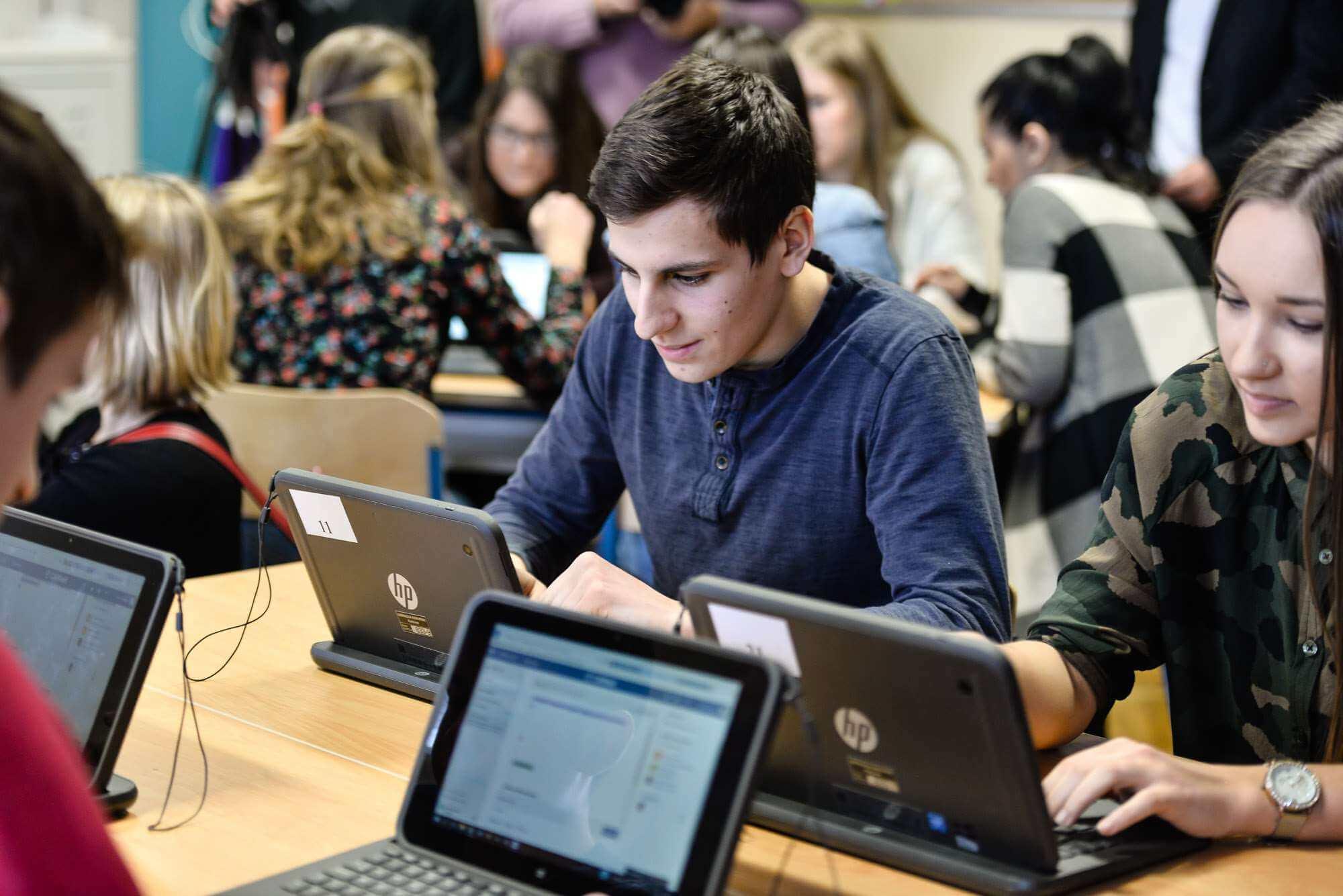 Kontaktirali smo 8 osnovnih škola diljem Hrvatske, evo što kažu o satnici za obveznu Informatiku