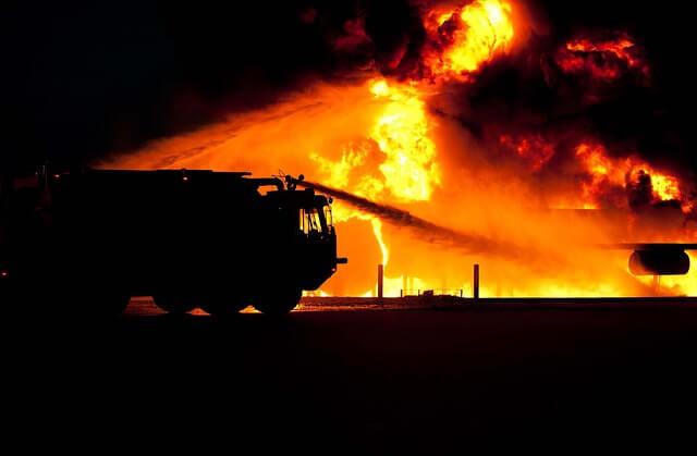Netko je opasno kemijao: Zapalio se Institut Ruđer Bošković pa tri vatrogasca završila u bolnici