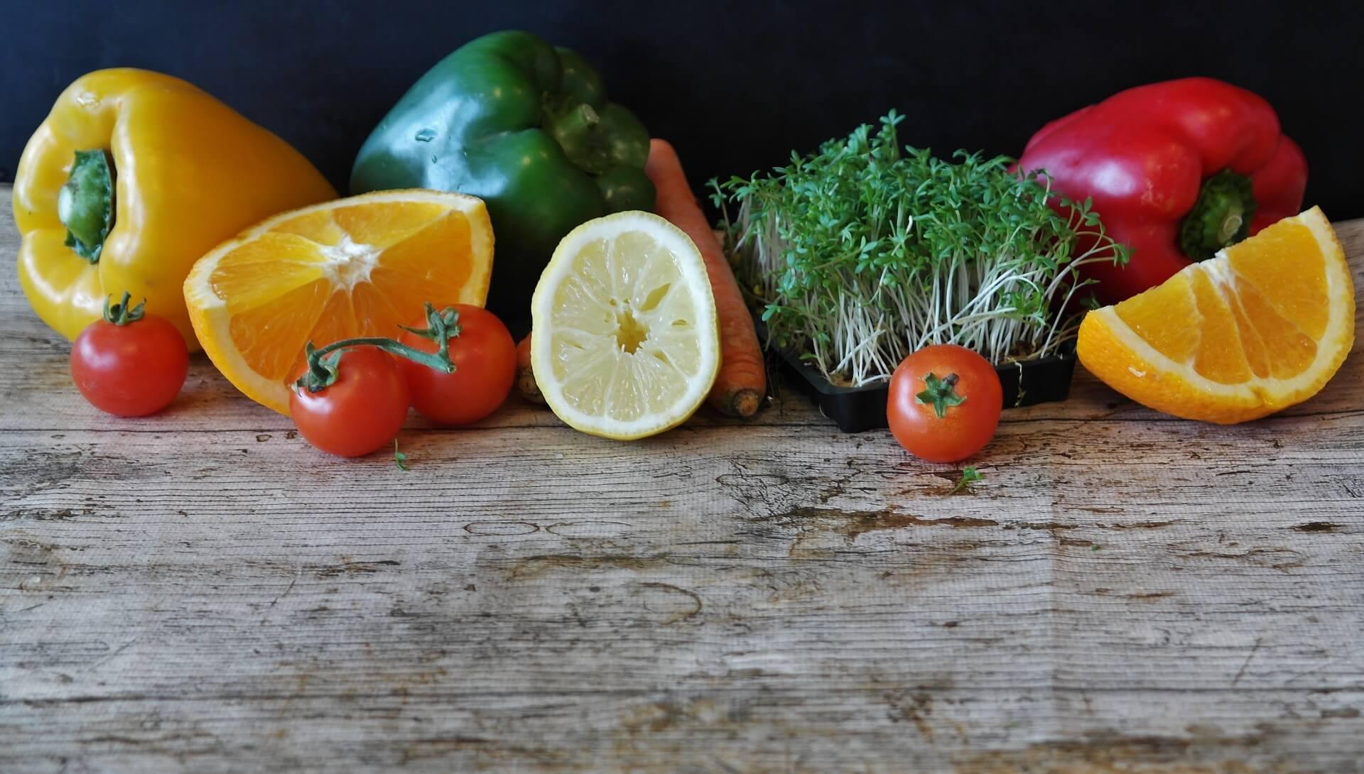 Idealno za vruće ljetne dane: Tri voćne salate koje možete spremiti ispod 20 minuta!