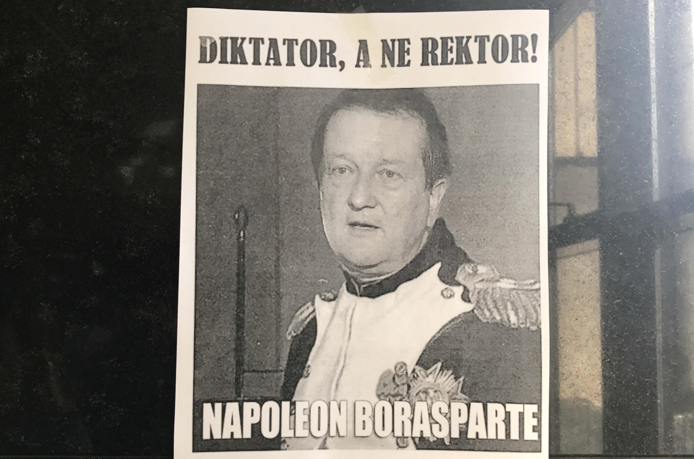 Povratak biblijskim vrijednostima: Boras na križnom putu Filozofskog strgao poster 'Napoleon Borasparte'