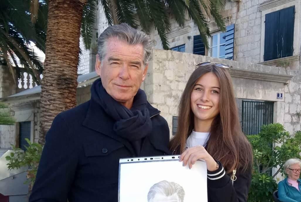 Talent splitske maturantice oduševio i Jamesa Bonda: 'Uručila sam mu na poklon crtež koji mu se jako svidio'