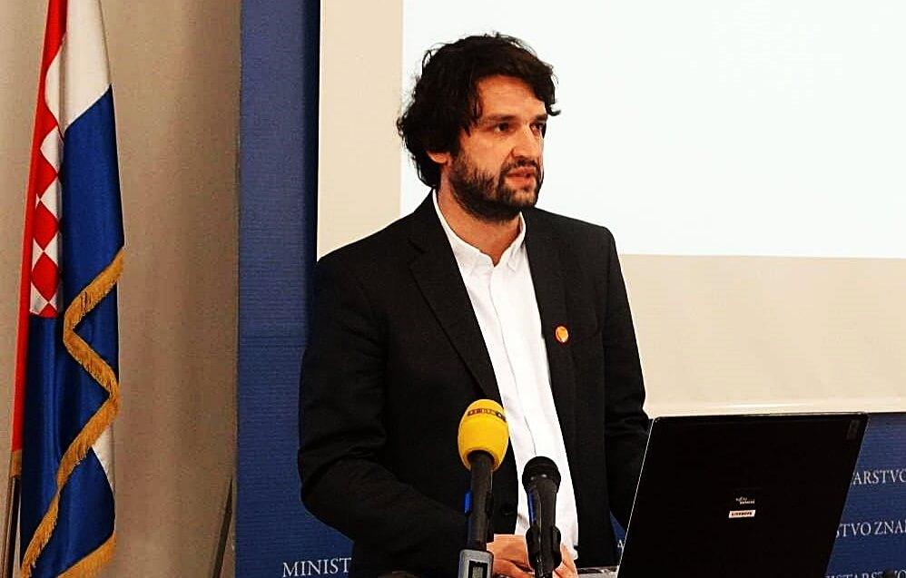 Jokić o državnoj maturi i ministrici Divjak: 'Donijela je sramotnu odluku'