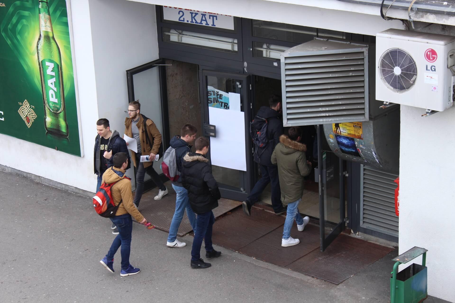 Studenti mogu zaraditi i do 100 kuna po satu: Ovo su najplaćeniji poslovi koji se nude u četiri grada