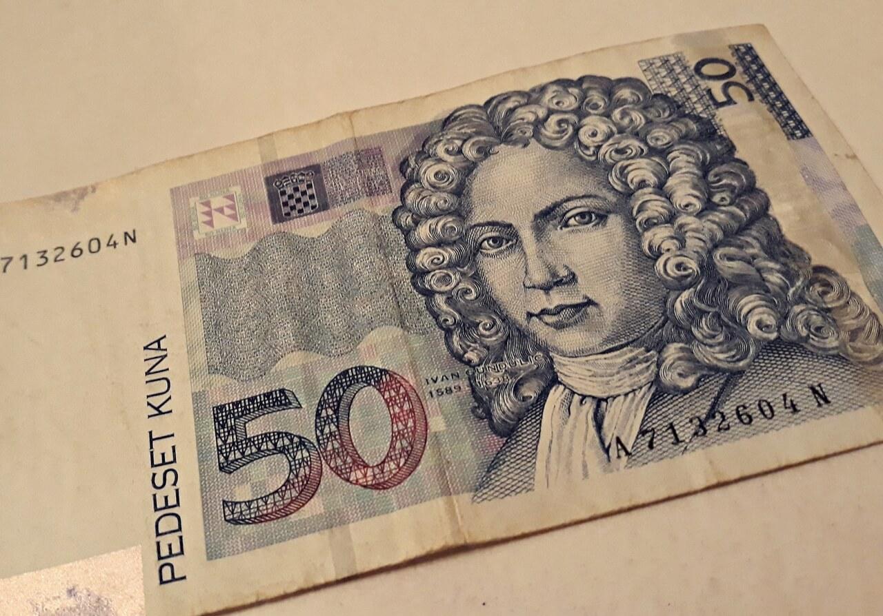 Učenik ponudio svoj novac učiteljici jer smatra da je premalo plaćena