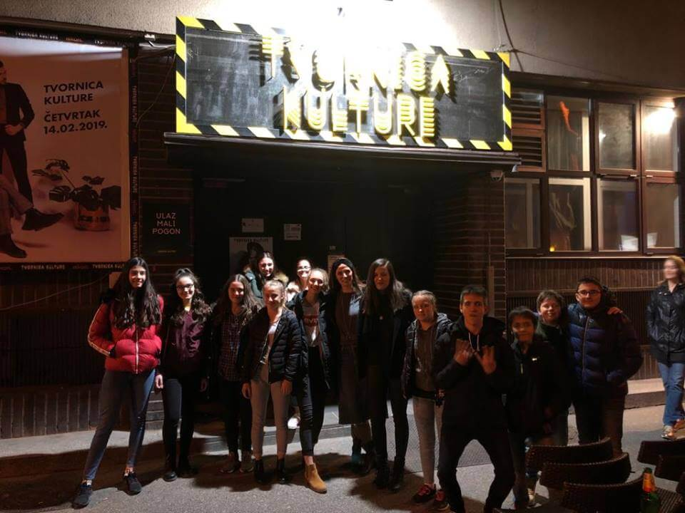 Oduševila terenskom nastavom: Profesorica odvela svoje sedmaše na koncert u Tvornicu