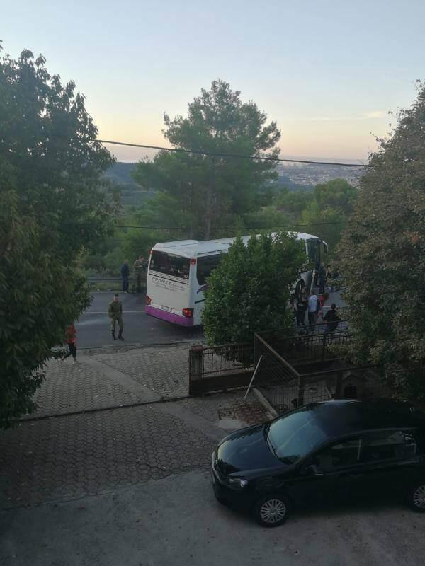 U teškoj nesreći sudjelovao autobus koji je djecu vozio u školu: Poginula jedna, a ozlijeđeno više osoba