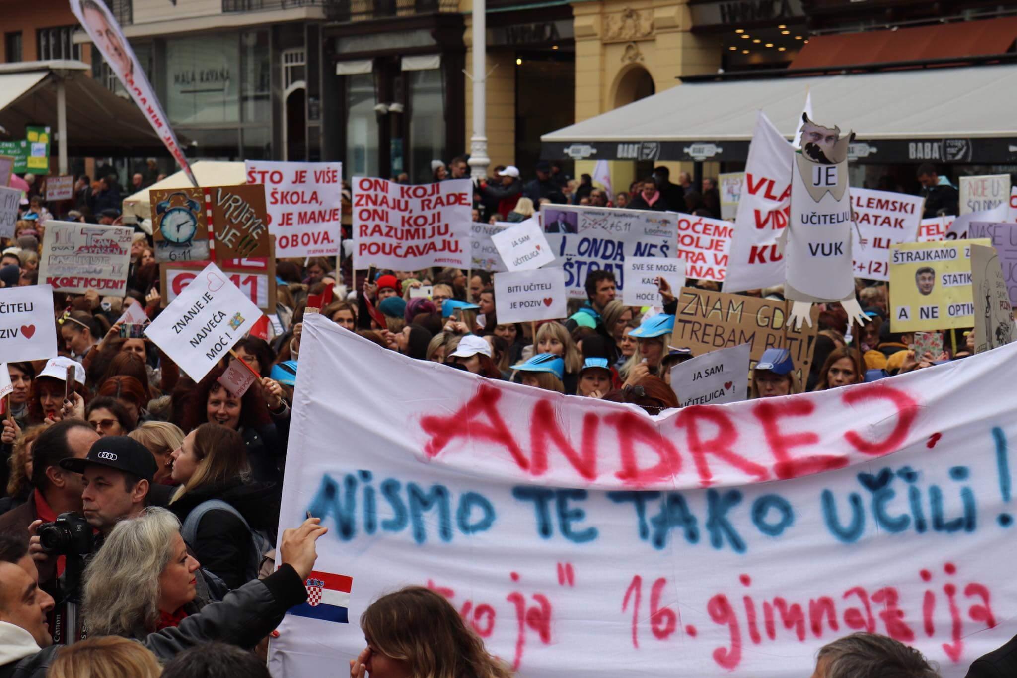 [Foto] Na prosvjedu 'Hrvatska mora bolje' osvanula neobična zastava